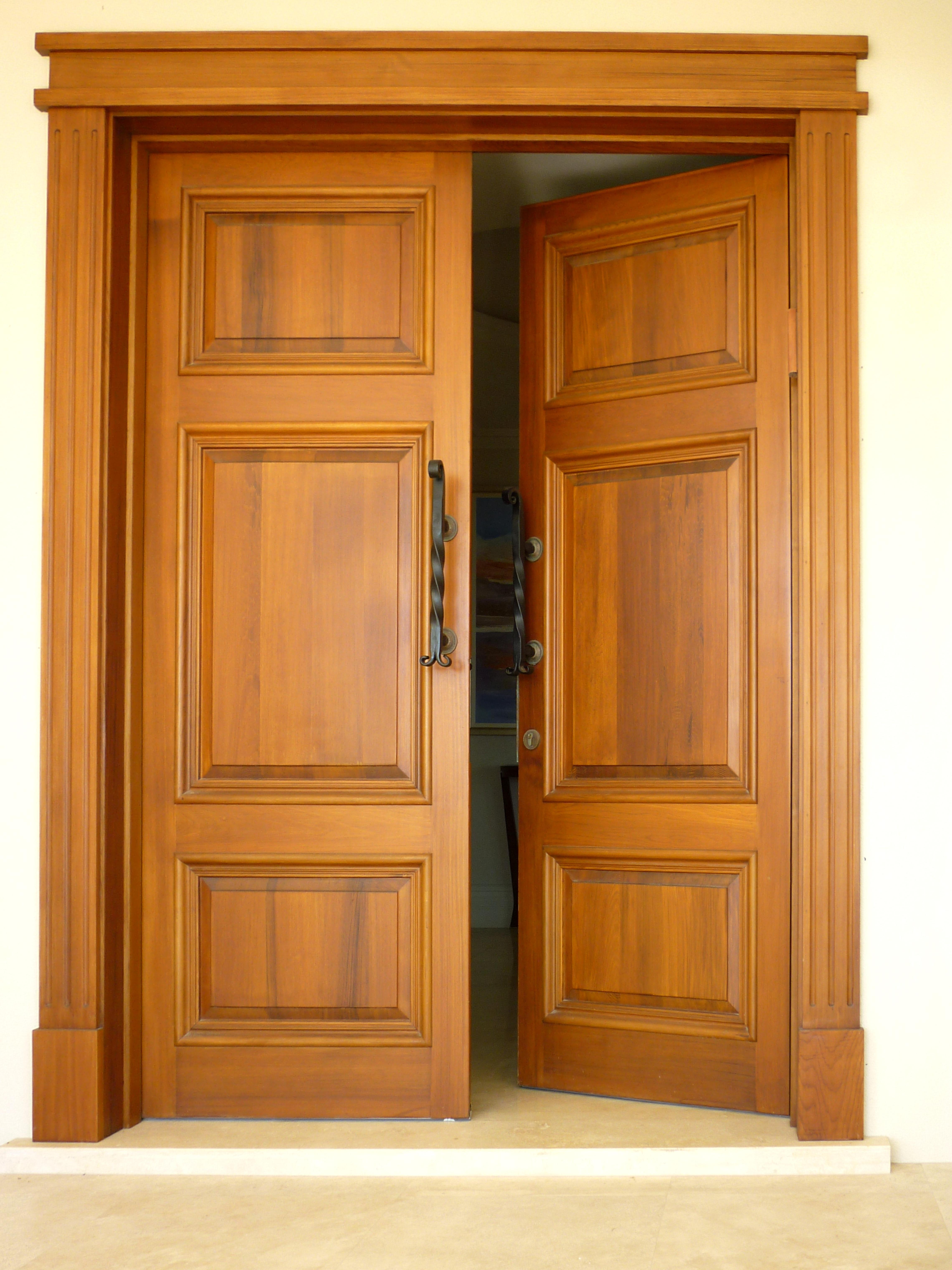 O'Connor entrance door