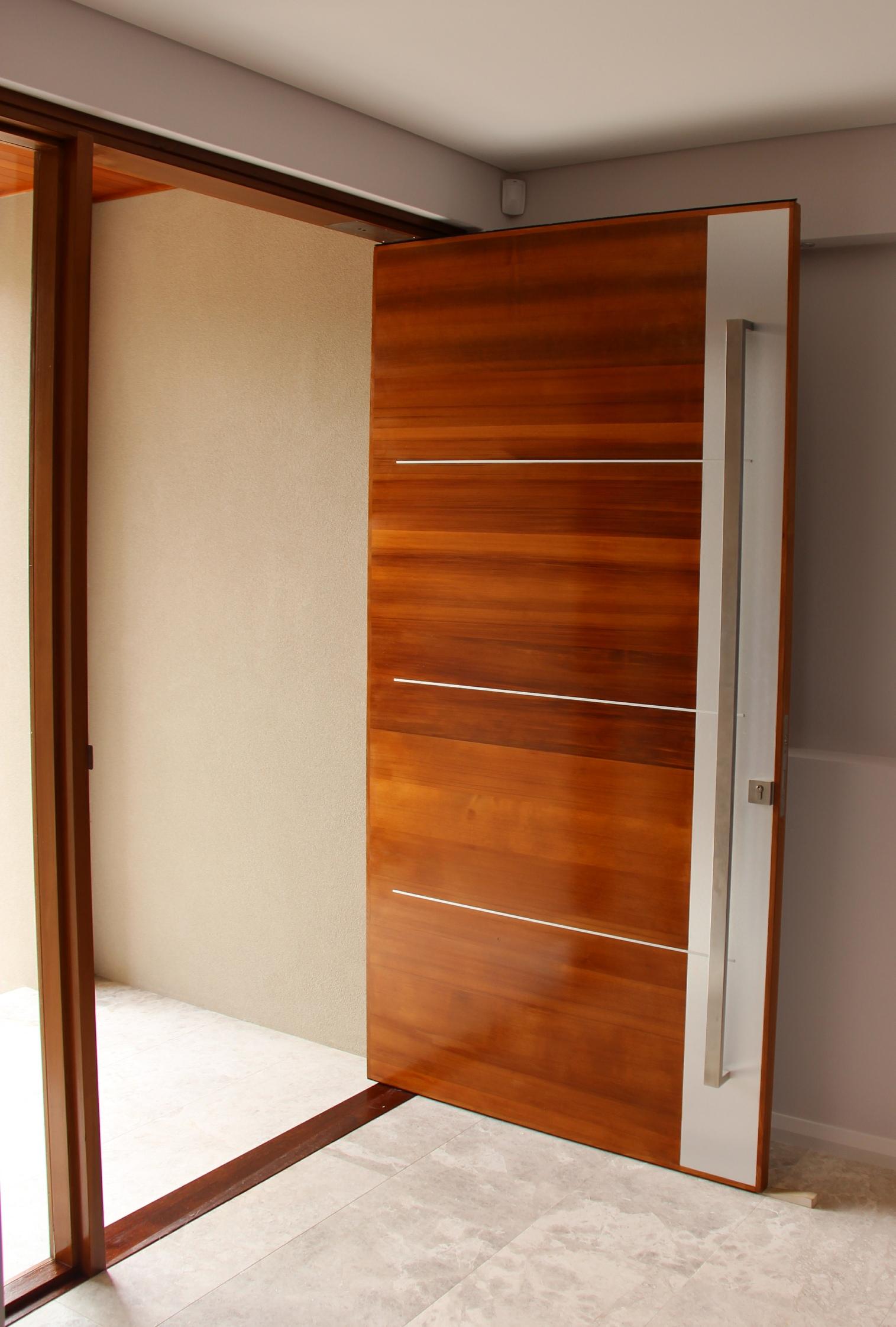 Peron timber door