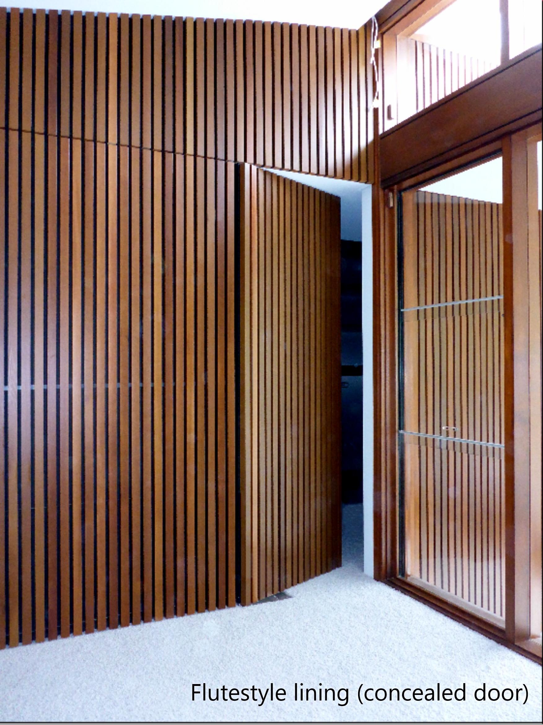 Flutestyle lining with hidden door
