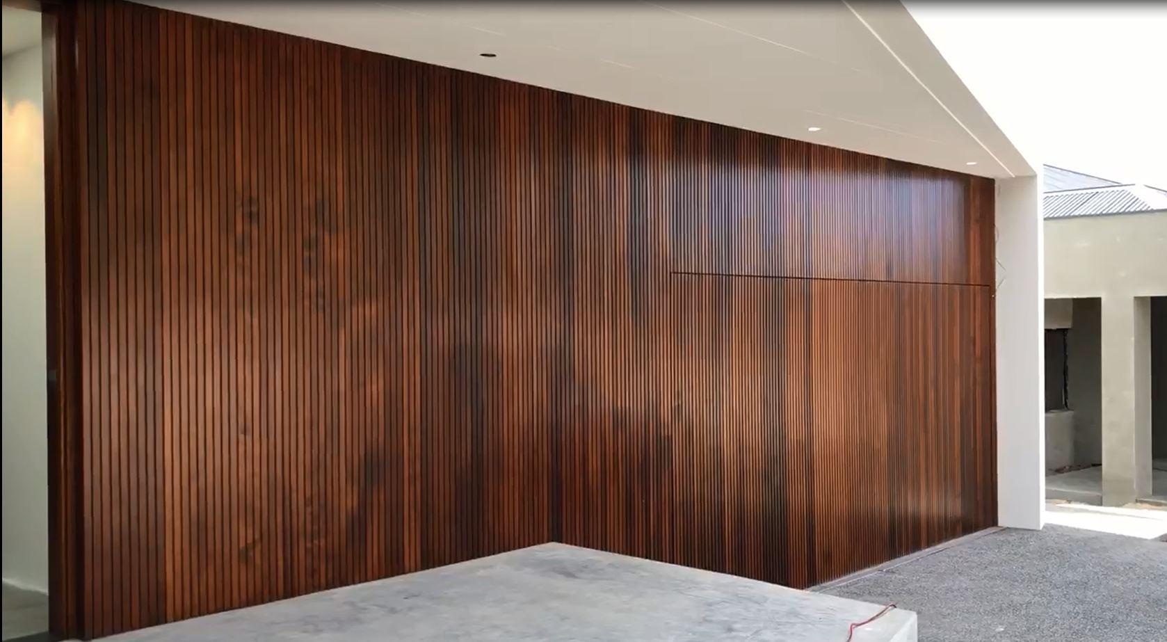 Squarestyle lining on tilt-up garage door